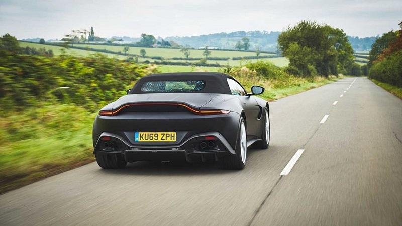 Aston Martin создал новый Vantage Roadster с самой быстрой складной крышей