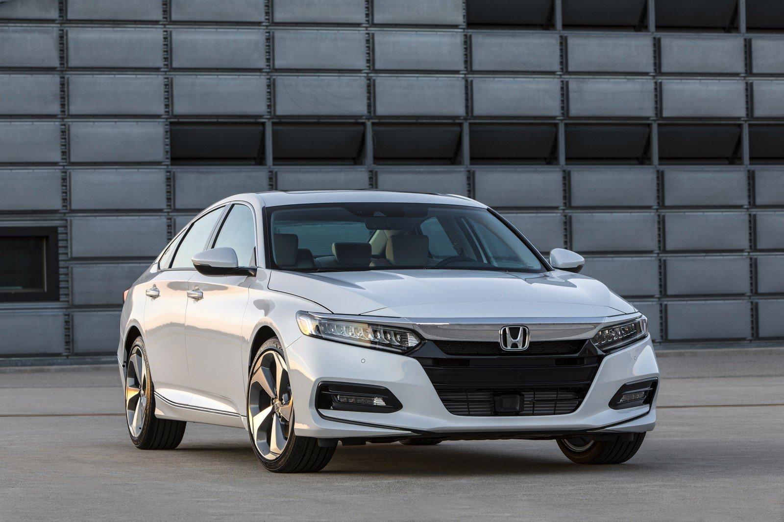 Рестайлинговую Honda Accord 10-го поколения уже показали в США
