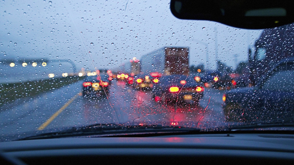 Правила безопасной езды в дождь