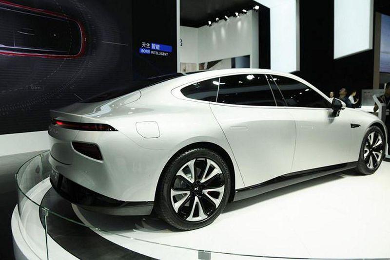 Бросить вызов Tesla: премиальный электроседан Xpeng P7